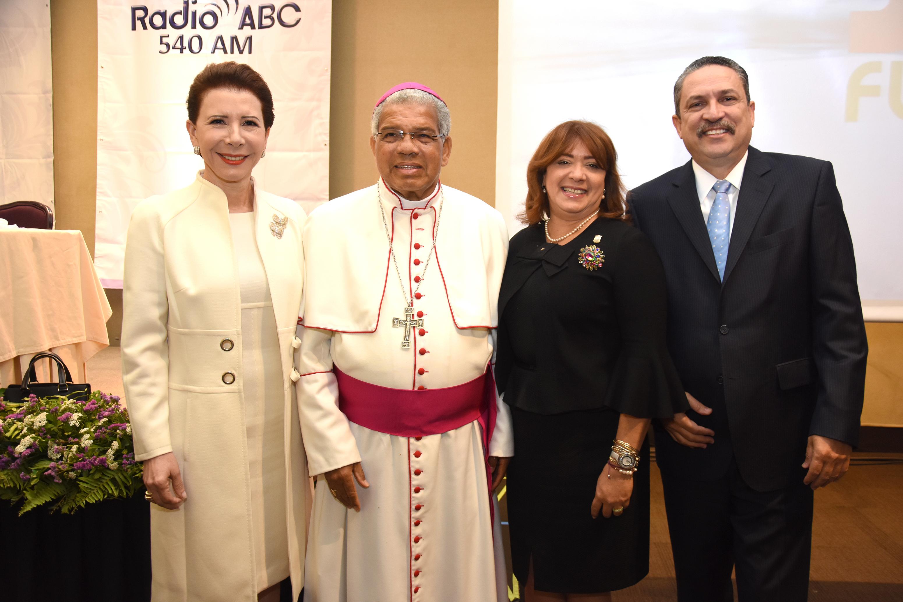 Nota Social: Decimoquinta entrega del Desayuno Conferencia del Arzobispado